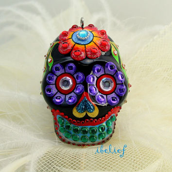 The flower skull black in a-day is the day of the dead pendant P0006