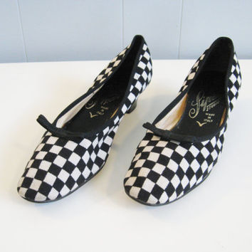 60s MOD CHECKER Print Low Heel Shoes 8 by wildatheartvintage