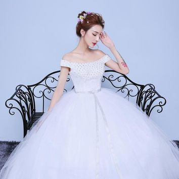 Off the Shoulder Lace Appliques Sequined Flower Tulle Boat Neck Wedding Dress Bride Princess Gown with Sashes
