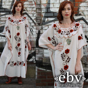 Vintage 70s Cream Mexican Embroidered Hippie Boho Maxi Caftan Dress S M L