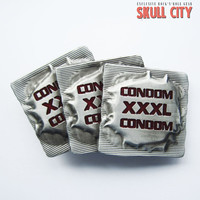 RED XXXL CONDOMS BUCKLE - Gürtelschnalle - Fetish Condoms Sex Porn XXX Gay