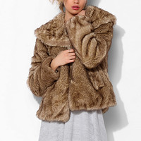 Latte Faux Fur Cropped Jacket - Urban Outfitters
