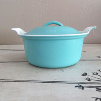 Vintage Le Creuset Round Casserole 18 Dish Turquoise Le Creuset made in France Cast Iron Dish Vintage Cookware Wedding Gift