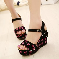 Willow Clinch With High-heeled Wedge Sandals Slope With Skull on Luulla