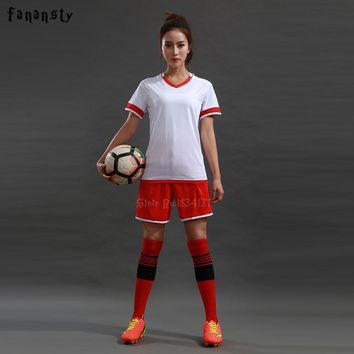 Top quality Soccer Uniforms Sets Women Survetement Customized Football jerseys Girls Team Soccer Uniforms DIY kits New 2018