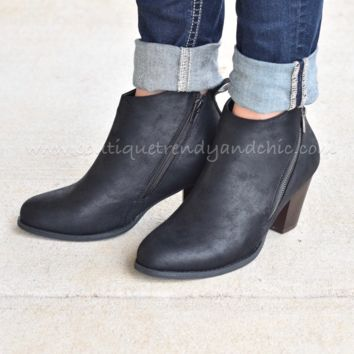 WALK IN CLASS BOOTIES IN BLACK
