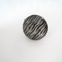 Vintage Zebra Print Adjustable Ring - Size M/L