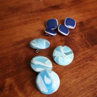 Blue and White Plastic Vintage Shanked Buttons from the 1970s | rocksntwigs - Supplies on ArtFire