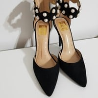 Donna Black Pearl Embellish Pointy Toe Pump