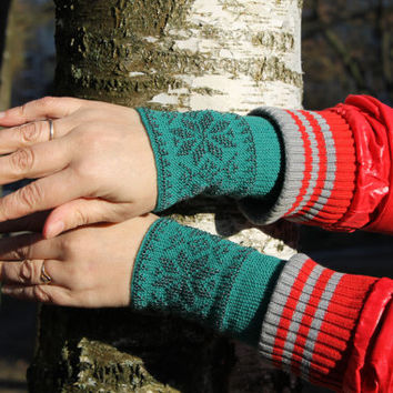 Gren Gray Color Wrist Warmers, Beaded Arm Warmers, Fingerless Gloves, Beaded Cuff, Traditional Flowers Pattern, Luxurious Cashmere Wool