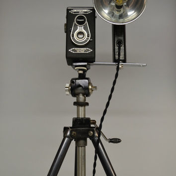 Antique 1940's Hollywood Reflex Camera Vintage Aluminum Black Silver Tripod Lamp Hollywood Regency Decor Kodak B-C Flasholder