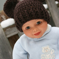 Baby bear hat crochet in newborn girl size 0-3 months brown with rose pink flower and button accent