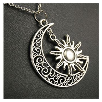 Vintage Alloy Snake Chain Sun Moon Pendant Necklace For Men Women