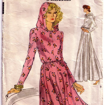 1970's Misses Hooded Dress Vintage Sewing Pattern. Very Easy Vogue 9051. Misses' Dress. For Stretchable Knits Only. Bust 36 Size 14.