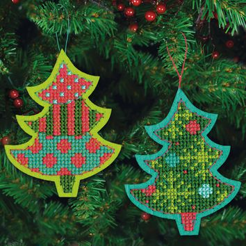 "Jolly Tree Felt Ornaments (9 Count) Dimensions Counted Cross Stitch Kit 4""X5.125"""
