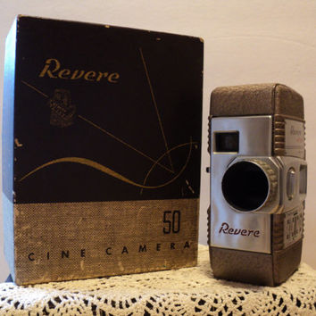 Revere 8 Cine Camera Model 50 Family Home Movie 8mm Camera Made in Chicago 1940s Retro Movie Technology and Filmography