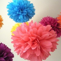 Bollywood ... 10 tissue paper poms // destination wedding // fiesta // birthday // party decorations