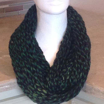Green Knitted Infinity Eternity Holiday Winter Scarf