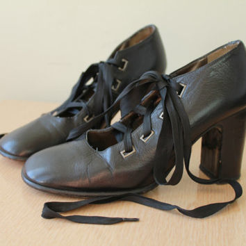 Vintage - 90s - Black Leather - Lace Up Ankle - Mary Jane - Chunky - High Heel Shoes - Minimalist - Goth - 6.5 - 7 - Spain