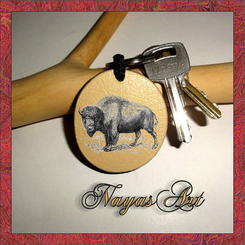 Personalized Round Keychain Buffalo Bison. Monogram Keychain Wooden key fob. Custom Keychain - Friends - Wedding. Handmade Best Friends Gift