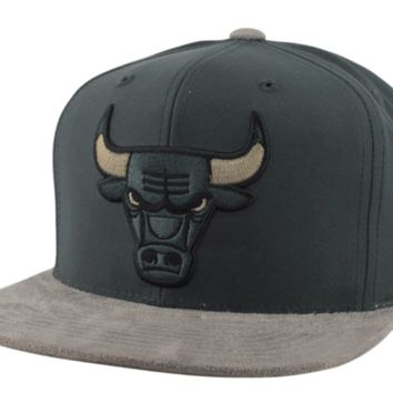 Mitchell & Ness Chicago Bulls Buttery Charcoal/Gray Snapback