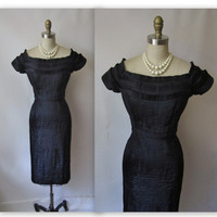 50's Wiggle Dress // Vintage 1950's Couture by TheVintageStudio