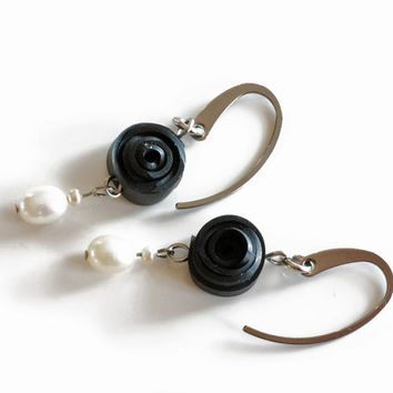 Re-purposed bicycle inner tube black rose earrings with white pearl drops , recycled eco chic jewelry , stainless steel rose earrings