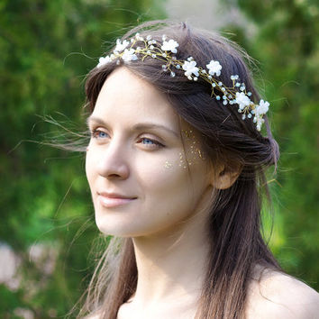 Bridal Headband, Pearls and Crystals Bridal Headband, White Flower Wedding Headband, Wedding Bridal Hair Accessories, White wedding headban