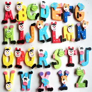 2016 Hot toy Cute 26pcs/Lot Wooden Cartoon Alphabet A-Z Magnets English Letters Children Educational Learning Intelligence toy