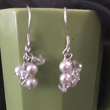Bridal swarovski Crystal earrings Elegant Swarovski Pearls cluster Earring Dangle pretty