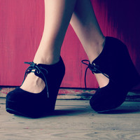 Suede Wedge Black