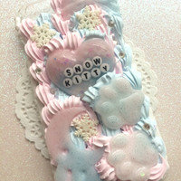 Made To Order!  Snow Kitty Decoden Phone Case