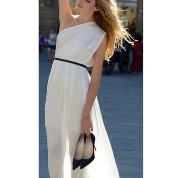 White Oblique Shoulder Sheath Chiffon Maxi Dress with Belt