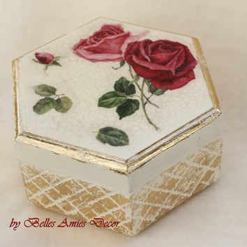 Jewelry box, roses jewellery box, womens gift, gift for girl, elegant box, bridesmaid gift, birthday gift for woman, shabby chic jewelry box
