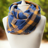 AUTUMN STROLL INFINITY SCARF IN BLUE - Default