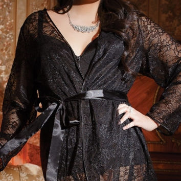 Plus Size Romantic Lace Robe