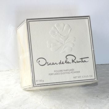 Oscar de la Renta Dusting Powder Unopened Box | Perfumed Dusting Powder 5.3 oz | Bath Powder | Designer Powder | Made in USA | Gift for Her