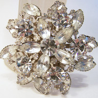Vintage Crystal Rhinestone Pin Silver Tone Wedding Bridal Brooch Jewelry 715DG