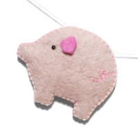 Felt Pig Garland for Kids