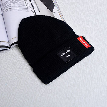 Patch Smiley Face Arrow Eyes Beanie Knitted Womens & Mens Vacation Sus Face Spring Autumn Winter Warm Black Cuffed Skully Hat