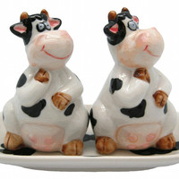 Novelty Salt and Pepper Shakers Happy Cows