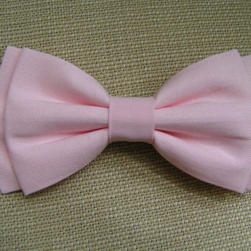 Soft pink hair bow, hair bows for girls, pink bow, light pink bows, bow bows, fabric bow, cute bows, beautiful bows, bows for teens