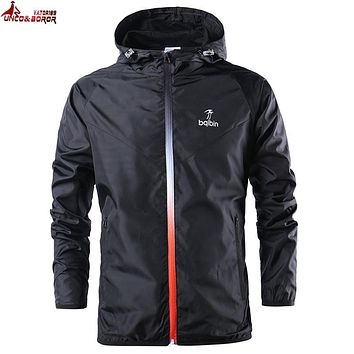 UNCO&BOROR new spring summer mens fashion Outerwear windbreaker men' s thin jackets hooded casual sporting coat size S~2XL