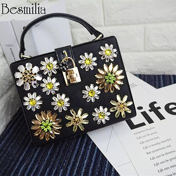 Luxury Diamonds Clutch Evening Bag PU Leather Lock Box Handbag Women's Party Dresss Shoulder Cross Body Bag Diamond Flower Purse