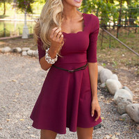Solid color short-sleeved dress