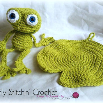 Frog bath toy and lily pad washcloth; CROCHET PATTERN: PDF