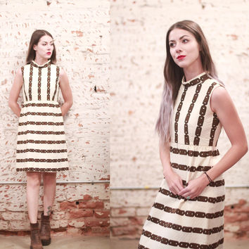 Vintage 1960s xs / small mod mini dress - off-white / cream & dark brown chain print - sleeveless / mock neck - vertical stripe pattern