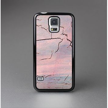 The Pink Cracked Surface Texture Skin-Sert Case for the Samsung Galaxy S5