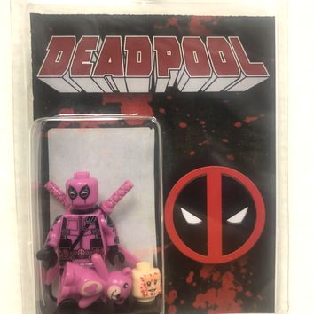 Block Minifigure Deadpool Pink with Teddy Bear