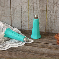 Salt and Pepper, Shaker Set, Tiffany Blue, Eiffel Tower, Tower Shaker, Shabby Chic, Glass, Upcycled, Wedding, Hand Painted